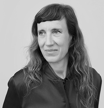 Caroline Achaintre, portrait
